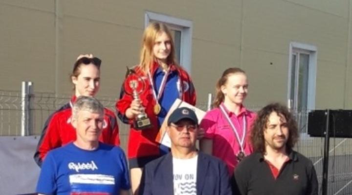«Золото» первенства России по троеборью взяли Кристина Будейкина и Глеб Незнанов