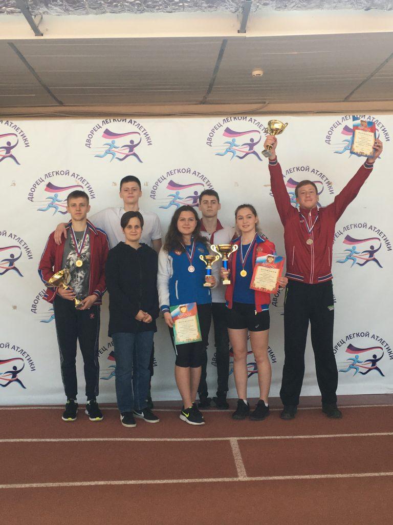 Юношеская сборная команда Московской области по современному пятиборью, готовится к первенству России